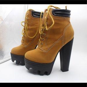Platform Timberland style boots